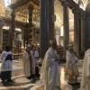 ВШАНУВАННЯ ПАПИ, ЯКИЙ ЗАЛИШИВ ТРАДИЦІЮ БІЛОГО ОДЯГУ ДЛЯ ПАПІВ РИМСЬКИХ